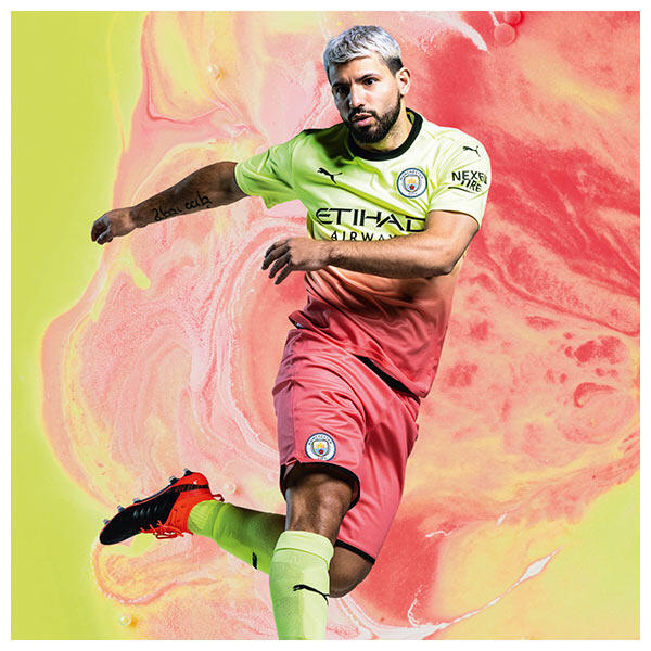 Sergio Agüero wears the 2019-20 Manchester City Third Kit