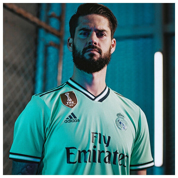 Isco wears the 2019-20 Real Madrid Third Kit