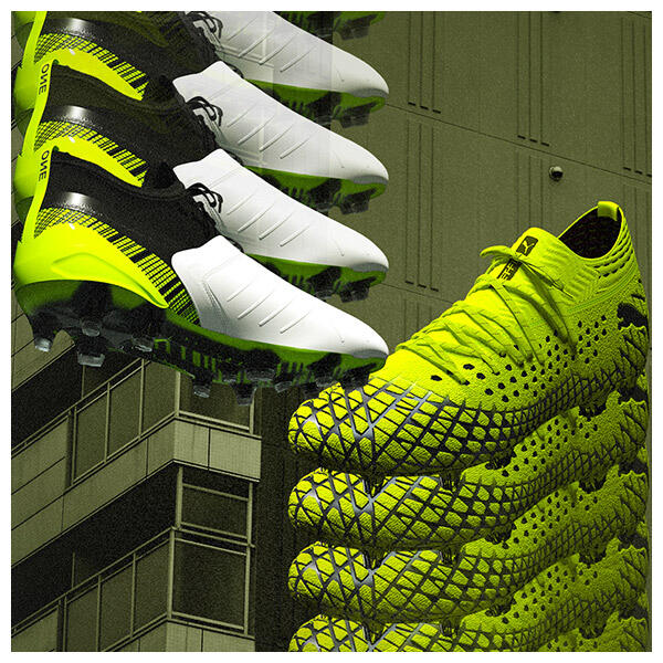The PUMA RUSH pack is a pure boost of consciousness that lets footballers play without fear and without limits