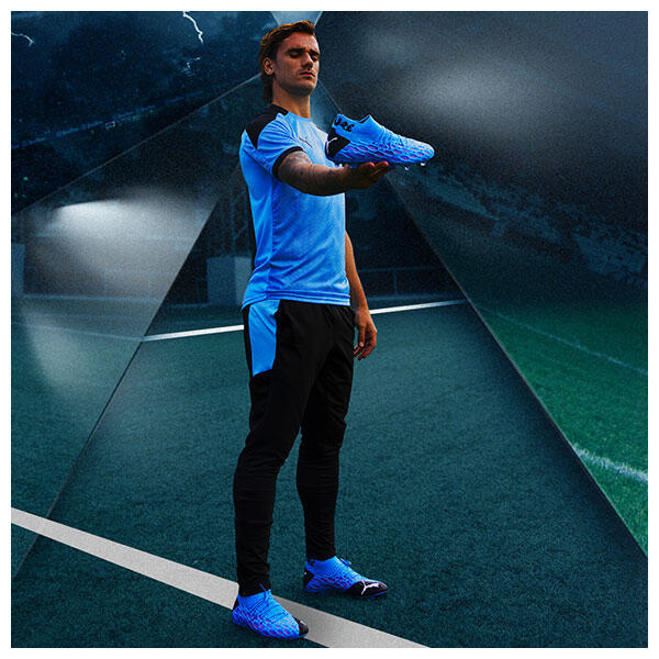 Antoine Griezmann wears the PUMA FUTURE Flash