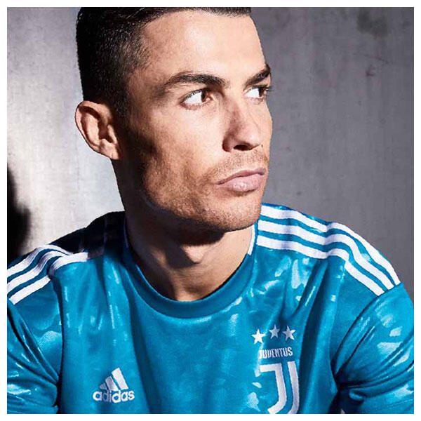 Cristiano Ronaldo wears the 2019/20 Juventus third shirt
